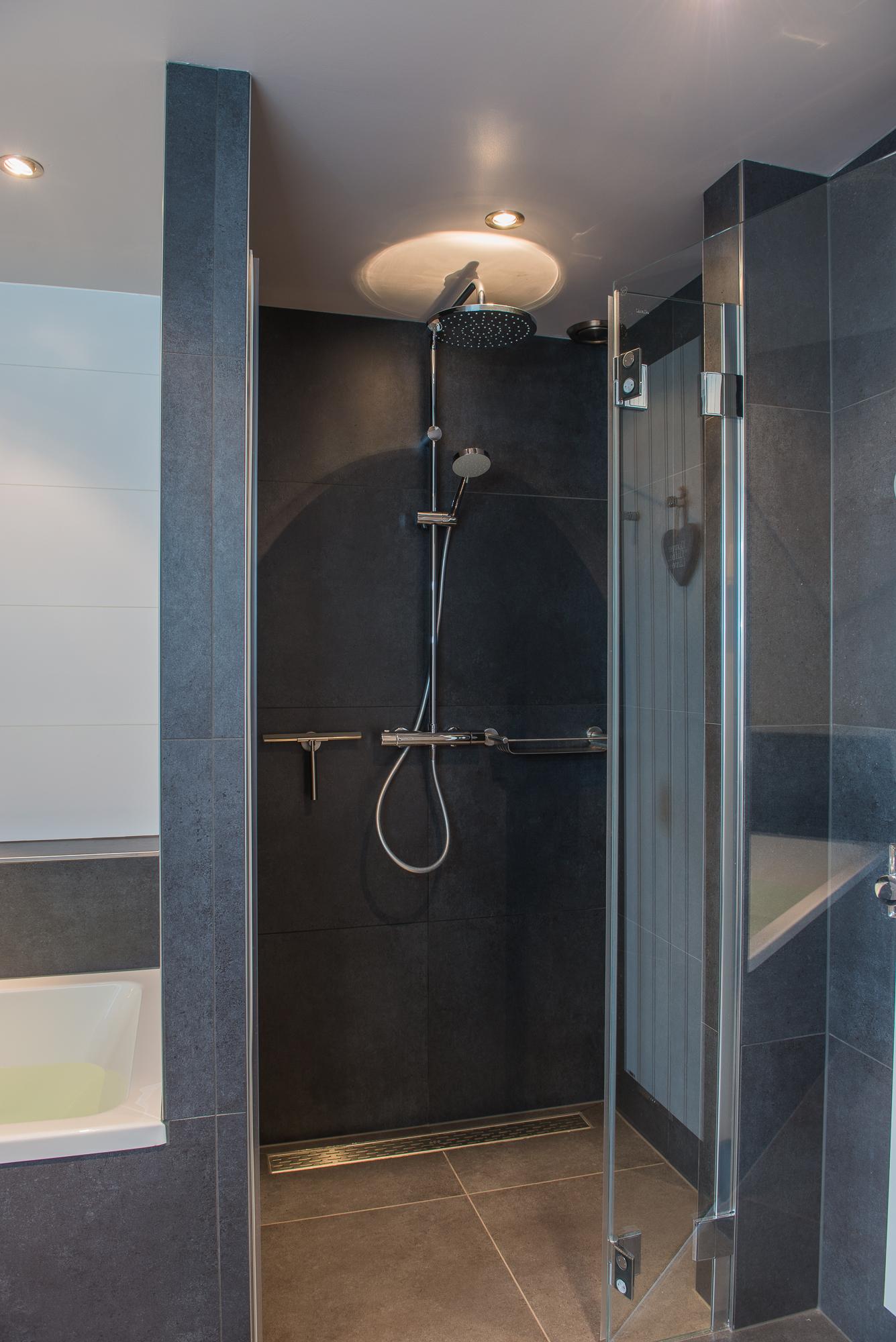 Badkamer sint nicolaasga 4 iksopar - Badkamer foto met douche ...